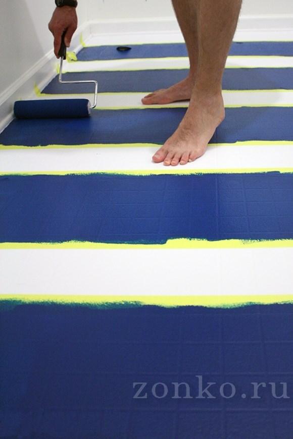 При желании, раскрасьте пол трафаретными рисунками